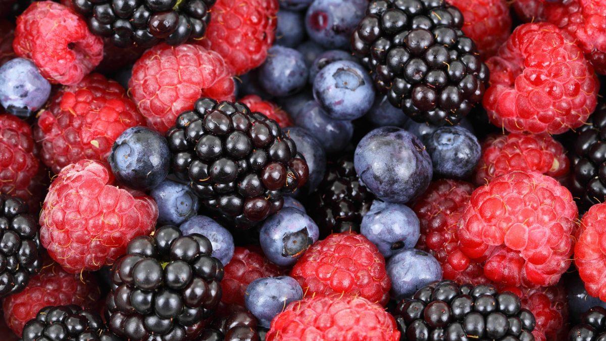 Aus Kleidung Obst und andere Flecken entfernen